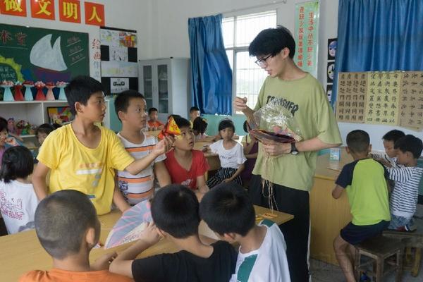 一举两得造句:南京航空航天大学支教团:飞天的梦想 从这里启航