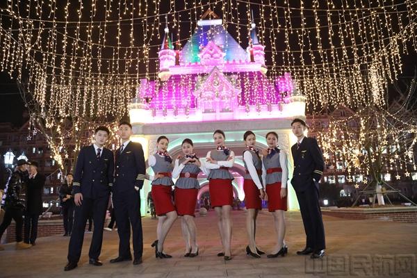 """四川西南航空学院成""""迪士尼乐园"""" 网红打卡地很吸睛"""