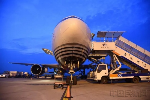 在南通机场运行的顺丰宽体全货机