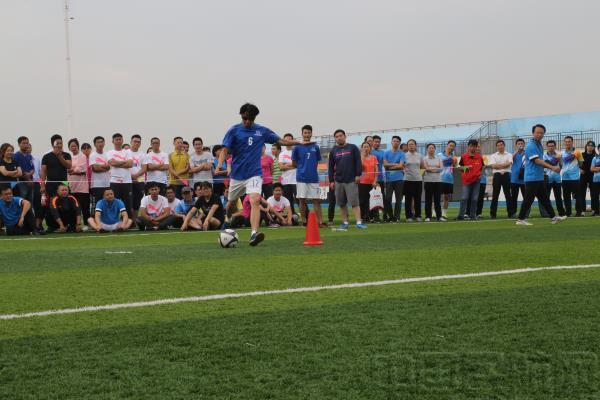 运乒乓球接力赛_常州机场队荣获全市交通运输系统职工运动会团体第二名-中国 ...