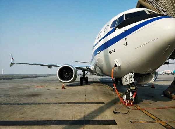 乌鲁木齐机场保障首架国航b737max8飞机(图)-中国民航