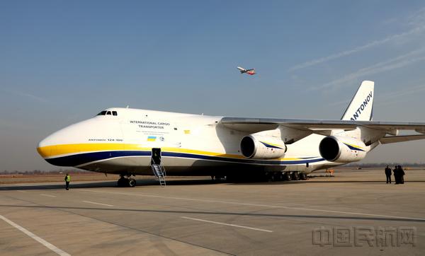 """安-124的""""大哥""""--世界最大货机安-225的9次中国之行都选择了石家庄"""
