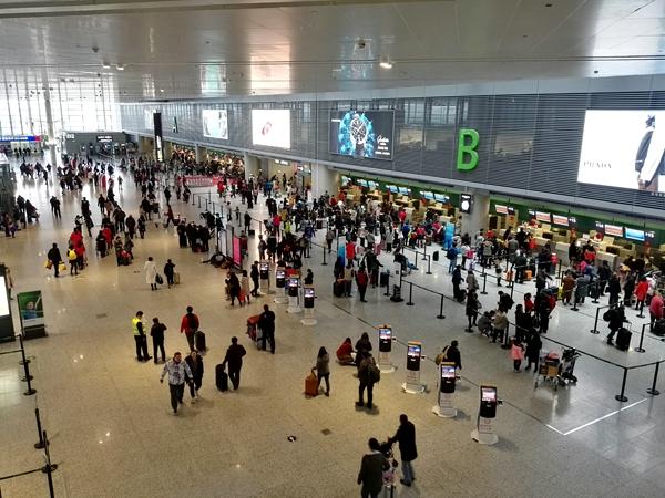 上海浦东机场、虹桥机场积极保障春节返程高峰