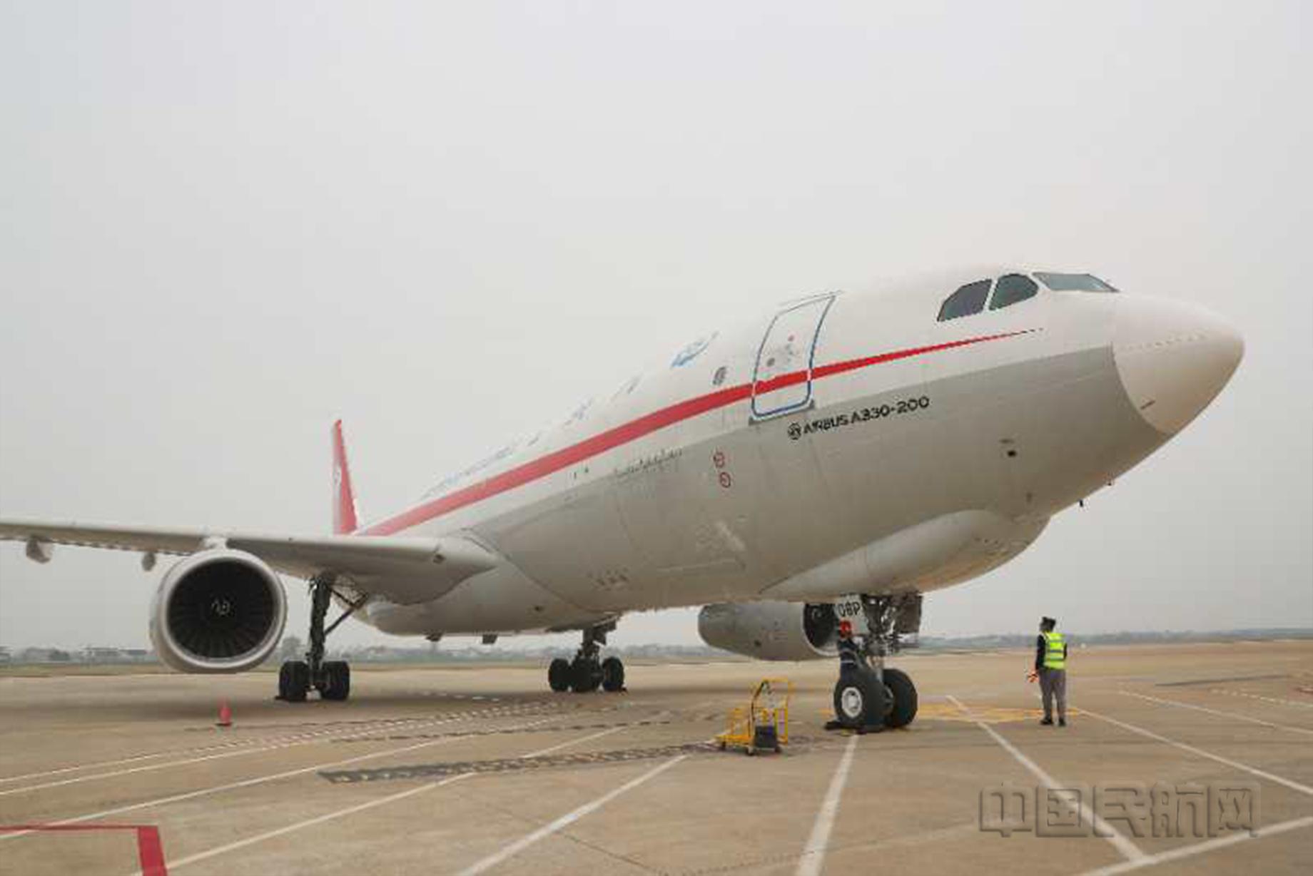 南通機場迎來首架駐場國際全貨機