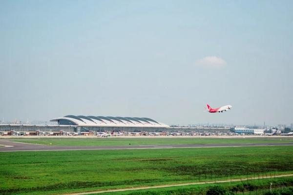 蘇南機場啟用臨時航線 實現進離場分離