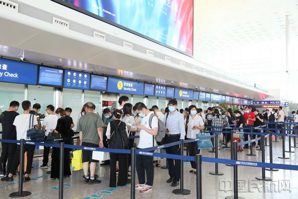 武汉机场国内客运日航班量突破500架次