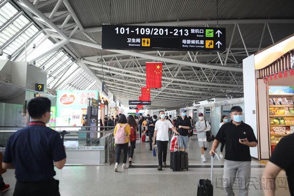 三亚机场国庆中秋累计运送旅客48.6万人次-中国民航网
