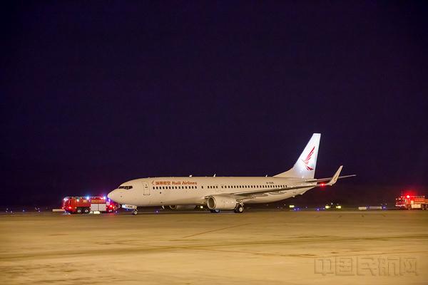 客机均为波音737-800客机全经济舱布局拥有189个座位