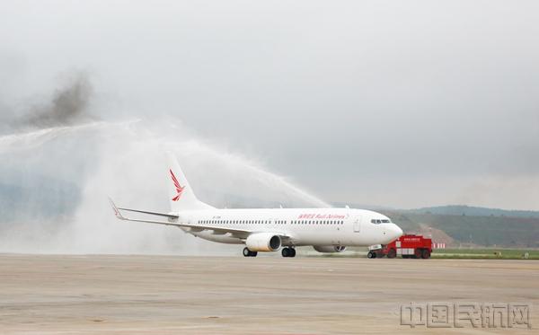 瑞丽航空迎来第18架飞机(图)