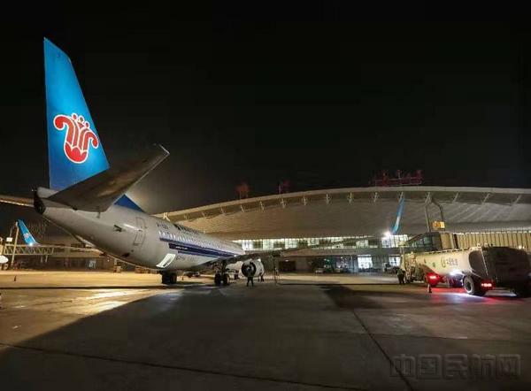 新疆伽師發生6.4級地震 南航執行首班救援航班