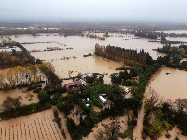 法国一架直升机坠毁 机上3名救灾人员遇难