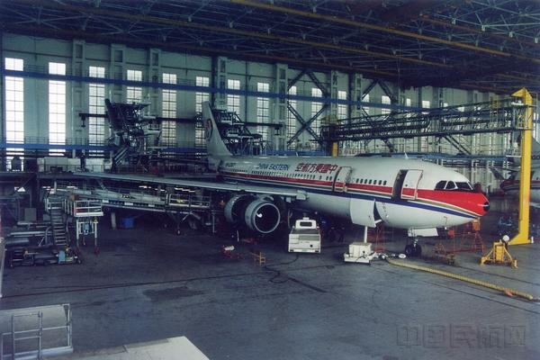 A300飞机大修现场.jpg