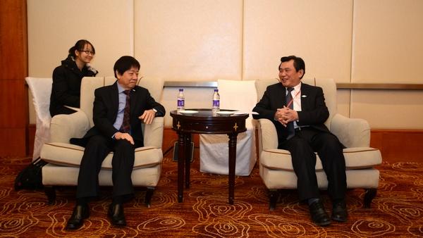 冯正霖会见新加坡基础设施统筹部部长兼交通部部长许文远.jpg